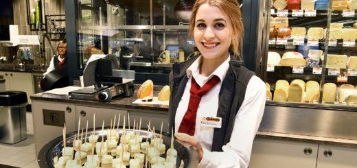 Sofia Buntassis hat es geschafft: Sie hat einen der begehrten Ausbildungsstellen bei Inkoop ergattert. Doch 152 Lehrstellen sind in Delmenhorst und umzu immer noch unbesetzt.Foto: Konczak