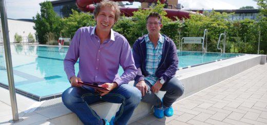 Die beiden Badleiter Michael Rausch und Oliver Wilms erzählen, was in der Revisionsphase des Sportbereichs in der Grattherme gemacht wurde. Foto: gri