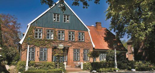 """Eine Top-Adresse im hohen Norden Deutschlands: Das historische Hotel-Restaurant """"Ole Liese"""". Foto: Hilke Maunder"""