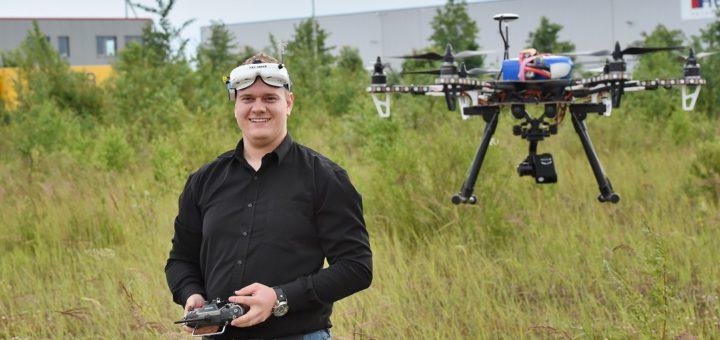 Björn Gartelmann ist Multikopter-Pilot und möchte schnellstmöglich seinen Kenntnisnachweis ablegen. Bisher ist das jedoch nicht möglich. Foto: Schlie