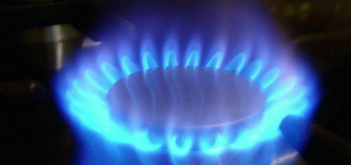 Gasflamme eines Gasherdes. Foto: Bilderbox