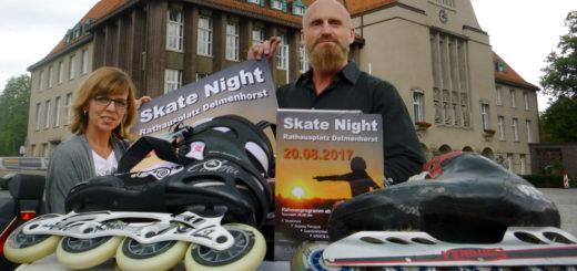"""Ines Ritter von der dwfg und Jens Heeren von """"Happy Skater"""" werben für die """"Skate Night"""" in Delmenhorst. Foto: Suhren"""