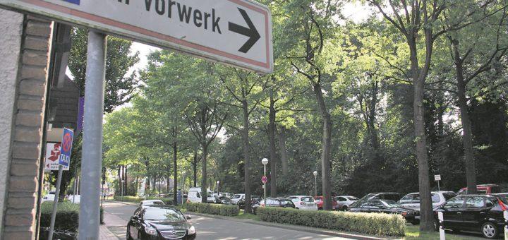 55 Autos können aktuell auf dem Parkplatz Am Vorwerk abgestellt werden. Für die Kaufleute der östlichen Innenstadt sind da zu wenig.Foto: nba