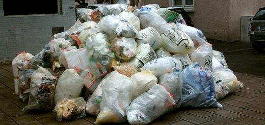 Die Gelbe Säcke werden ebenso wie Restmüll in Stuhr nur einmal im Monat von der AWG abgeholt. Dabei kann jede Menge Müll zusammenkommen.