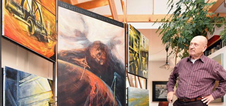 Ole Markmann malt gerne in Serie. Diese abgebildeten Werke gehören allerdings verschiedenen Reihen an. Fotos: Konczak