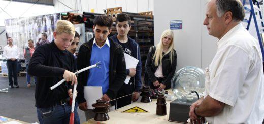 """Beim """"Tag des offenen Handwerks"""" können Schüler und Schülerinnen in viele verschiedene Handwerksberufe hineinschnuppern.Foto: Konczak"""