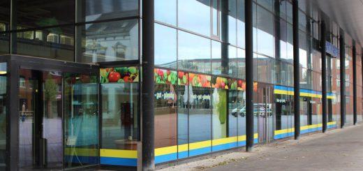 Zuletzt ist die Markthalle von einem Obst- und Gemüsehändler genutzt worden. Nun soll der Discounter Black.de einziehen. Foto: Harm