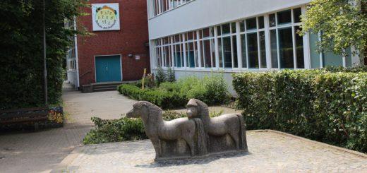 Schon vor den Sommerferien sagte Schulleiterin Heike Ahrens, dass das Ganztagskonzept an der Grundschule Alt-Aumund ohne den zusätzlichen Raum nicht realisiert werden kann. Foto: Spier