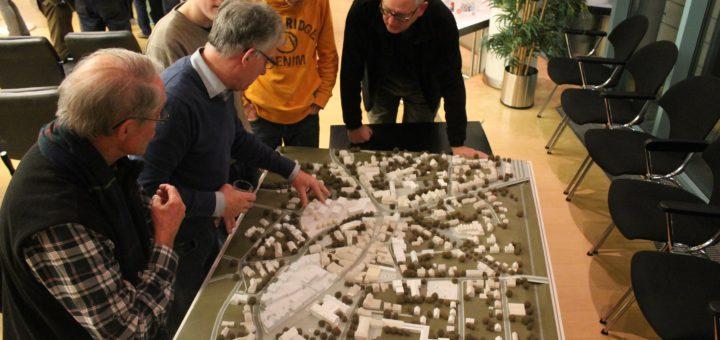Beim Informationsabend der Stadt Achim wurde Anwohnern erklärt, dass das Gebiet um die Obernstraße und Herbergstraße beim Architekten-Wettbewerb im Fokus steht. Foto: Beinke
