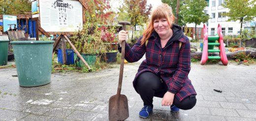 """Uta Bohls von der Initiative """"Ab geht die Lucie"""" freut sich auf zahlreiche Helfer. Fotos: Schlie"""
