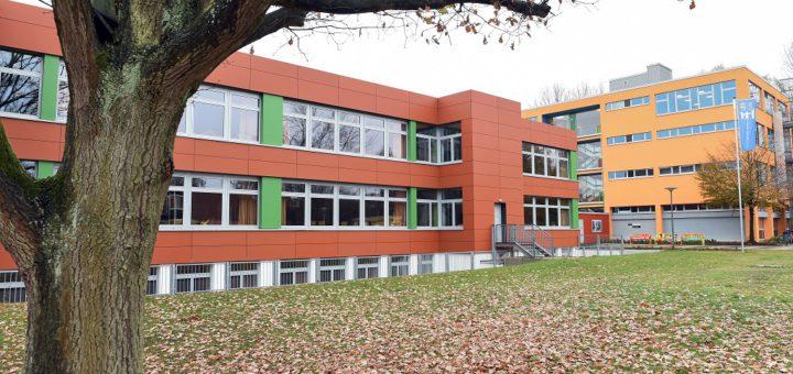 Mit dem Bau der neuen Grundschule auf dem Gelände der Wilhelm-Kaisen-Oberschule wird der Gedanke eines Bildungscampus im Valckenburghquartier weiter verfolgt. Foto: Schlie