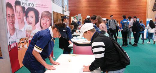Bei der Praktikumsmesse in Hemelingen konnten die Schüler in verschiedene Berufszweige reinschnuppern. Foto: pv