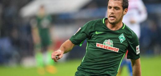 Nach der Einwechslung von Zlatko Junuzovic (r.) in der zweiten Hälfte kam Werder beim Hamburger SV viel besser ins Spiel. Foto: Nordphoto