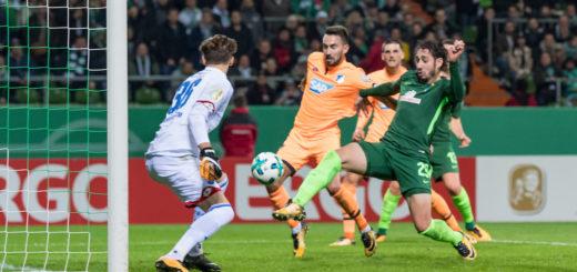 Belfodil trifft zum 1:0 für Werder.