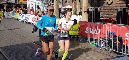 Emin da Silva und seine Begleitläuferin Sandra Szarafinski absolvierten den Halbmarathon unter zwei Stunden. Foto: pv