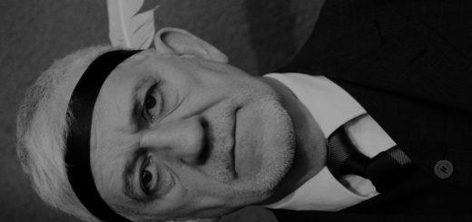 """""""Vergesst Winnetou!"""" fordert Schauspieler Ilja Richter in diesem Jahr die Gäste der Weihnachtslesung in der Tischlerei Sandkuhl auf. Foto: Minke"""