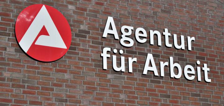 Viele neue Arbeitsverträge wurden im November im Bereich des Handels und der Logistik geschlossen. Foto: Konczak