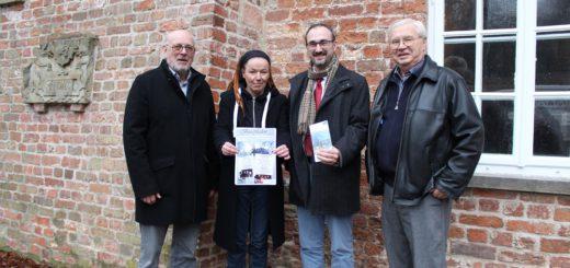 Das Organisations-Team des Burgfriedens: Klaus Peters und Carola Sonnwald, Carsten Thielbar und Erik Petersen. Foto: Harm