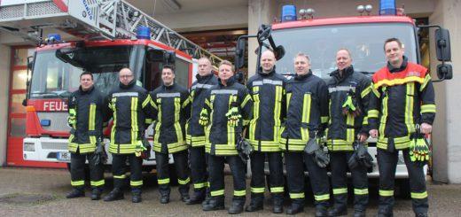 Sind auch an Silvester im Einsatz: Die Kräfte der Feuerwache 6 in Vegesack. Unterstützung bekommen sie von den fünf Freiwilligen Feuerwehren in Bremen-Nord. Foto: Harm