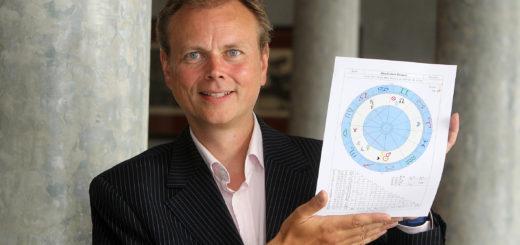 Der Bremer Astrologe Volker Reinermann berät seit Jahren Privatpersonen und Unternehmer zur Konstellation der Sterne.Foto: pv