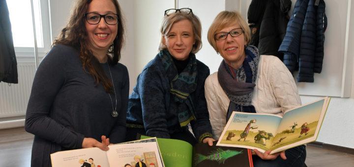 Sina Bachmann (links) koordiniert beim Hospizkreises Ganderkesee die neue ambulante Kinderhospizbegleitung. Ab Januar kümmern sich vorerst nur Ute Wessels und Astrid Mackel (rechts) um die Familien. Foto: Konczak