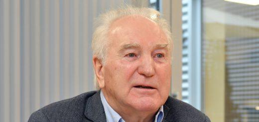 Der Delmenhorster Automobil-Unternehmer Manfred Engelbart übernimmt ab Januar den Mazda-Standort in Bremen. Foto: Konczak