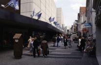 Der belebte Ostteil der Langen Straße im Bereich von Karstadt im Jahr 1978. Foto: Stadtarchiv Delmenhorst