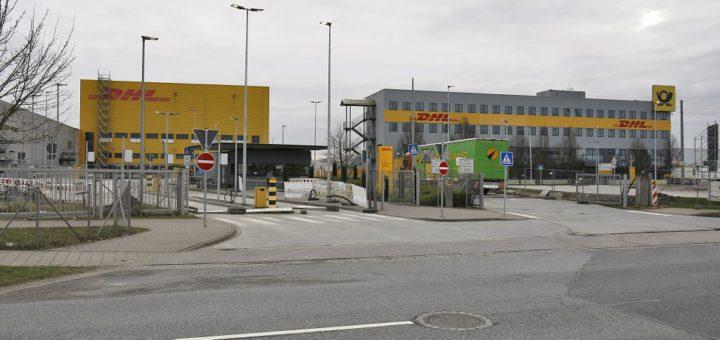 Im Bremer Paketzentrum im GVZ soll der Rückstand aus dem Dezember laut DHL-Sprechern inzwischen abgearbeitet sein. Foto: Barth