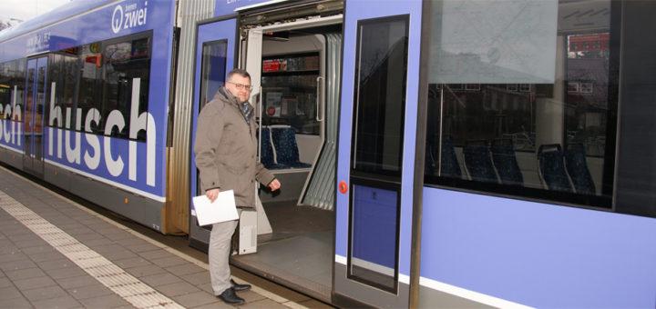 John Hansen (FDP) geht es bei seinem Vorschlag um eine Attraktivitätssteigerung des Öffentlichen Personennahverkehrs: In Lilienthal soll die Nutzung der Straßenbahn kostenlos sein. Foto: Möller