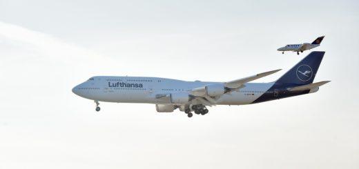 Die Boeing 747-8 schaute am Donnerstag in Bremen vorbei und präsentierte ihr neues Design. Foto: Schlie