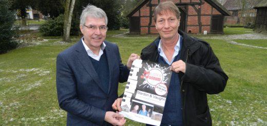 """Dr. Detlef Risch (links), Vorsitzender des Fördervereins der Museumsanlage, und Konzertinitiator Detlef Gödicke laden wieder zu """"Klassik im Museum"""" ein. Foto: Bosse"""