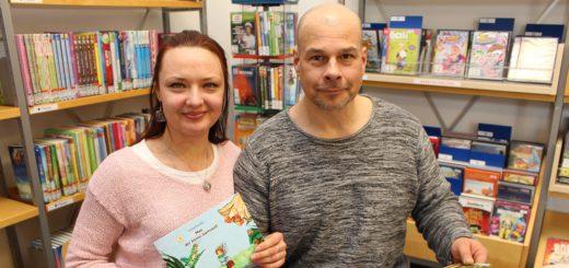 Yuliia Pluntke hat ihr erstes Kinderbuch geschrieben – Unterstützung bekam sie von ihrem Mann Meiko. Foto: Harm