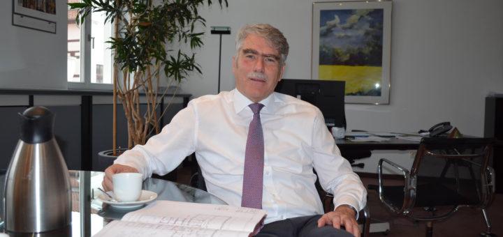 """Bürgermeister Lutz Brockmann gibt vorerst grünes Licht für Diesel-Fahrzeuge in der Stadt Verden. Er sieht keine """"bestätigten Gefahren und Grenzwertüberschreitungen"""" für seine Stadt. Foto: pv"""