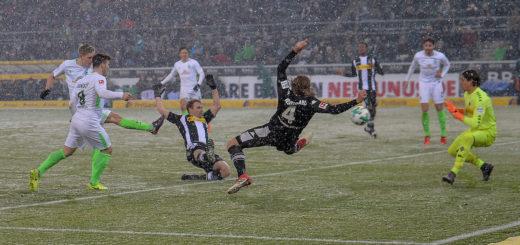 Aron Johannsson trifft zum 2:2 für Werder.