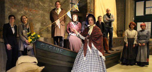 """Ein neuer Schauplatz im Vegesacker Geschichtenhaus: In dieser Woche wurde das neue Schiff auf den Namen """"Gesine"""" getauft. Foto: Harm"""