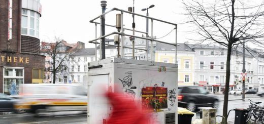 In der östlichen Vorstadt am viel befahrenen Dobbenweg befindet sich eine der neun Bremer Messstationen. Foto: Schlie