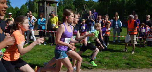 Anmeldungen für den Vahrer-Seen-Lauf sind bis zu einer Stunde vor dem Start des Lauf-Events möglich. Fotos: BZ Vahr