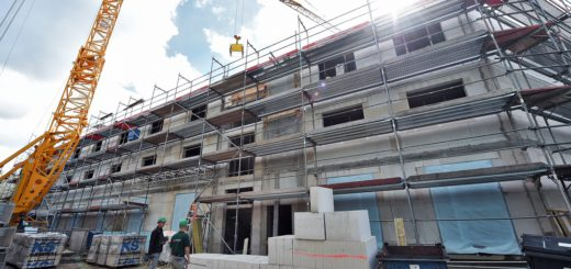 Dort wo einst das Concordia-Theater stand, wird derzeit ein neues Studentenwohnheim gebaut. An der Schwachhauser Heerstraße sollen 60 Appartments entstehen. Foto: Schlie