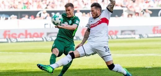 In den Zweikämpfen hatte Werder (hier Niklas Moisander gegen Daniel Ginczek) gegen den VfB zu oft das Nachsehen. Foto: Nordphoto