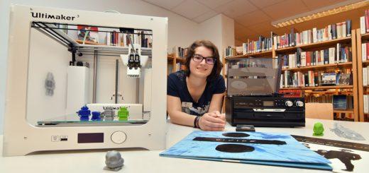 Auf Anraten von Alana Gerigk wurden der 3-D-Drucker und der digitalisierende Audioplayer gemeinsam von der Stadtbücherei und dem Medienpädagogischen Zentrum angeschafft. Foto: Konczak