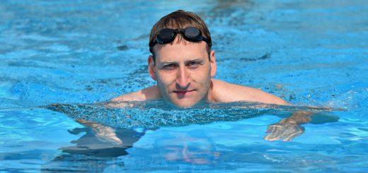 Falko Lichterfeld hat den Sprung in Wasser schon gewagt. Foto: Schlie