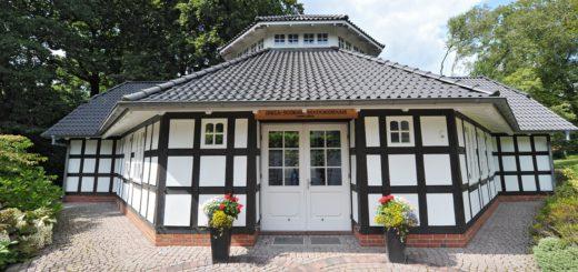 An den Tagen mit Schnapszahl (8.8.18 und 18.8.18) ist das Hochzeitshaus auf dem Oberneulander Lür-Kropp-Hof komplett ausgebucht. Foto: av
