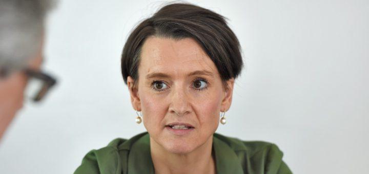 Senatorin Claudia Bogedan spricht im Interview über Schulschwänzer, Berufsschulen und Junglehrerinnen. Foto: Schlie