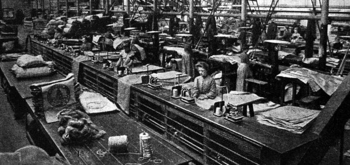 Blick in die Sacknäherei der 1888 entstandenen Bremer Jute. Ähnlich wird es in der Delmenhorster Fabrikationsstätte ausgesehen haben.Foto: Stadtarchiv Delmenhorst