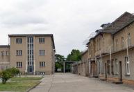 Zu DDR-Zeiten ging keiner der Häftlinge über diesen Innenhof der damaligen Haftanstalt Hohenschönhausen. Foto: Suhren