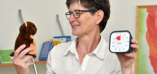 Das sprechende Murmeltier ist eines der wichtigsten Hilfsmittel bei der Arbeit mit Autisten. Foto: Konczak