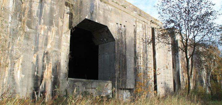Der Bunker Valentin ist die Ruine einer U-Boot-Werft aus dem Zweiten Weltkrieg. Für den Bau wurden zwischen 1943 und 1945 Tausende von Zwangsarbeitern eingesetzt. Foto: av