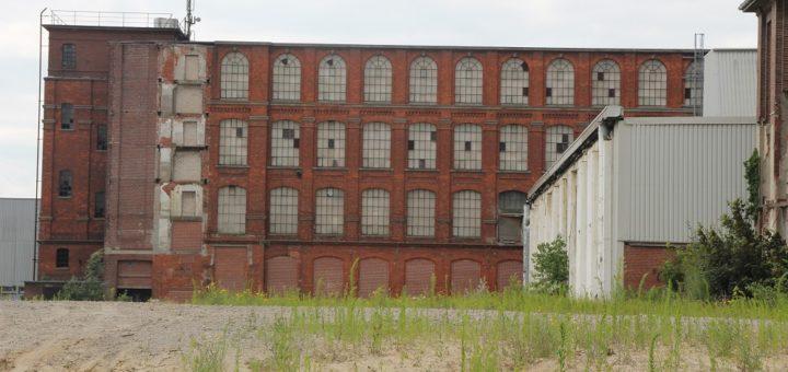 Das Gelände der einstigen Bremer Wollkämmerei dient als Veranstaltungsort des dreizehn°-Festivals. Im Industrieambiente wird gelesen, gelauscht, gefeiert und getanzt. Foto: av