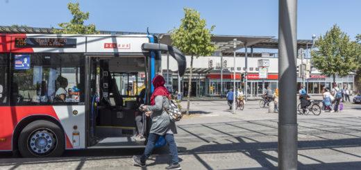 Die Delbus will ihren Fahrplan noch bessern an die Abfahrzeiten der Züge am ZOB anpassen. Foto: Meyer