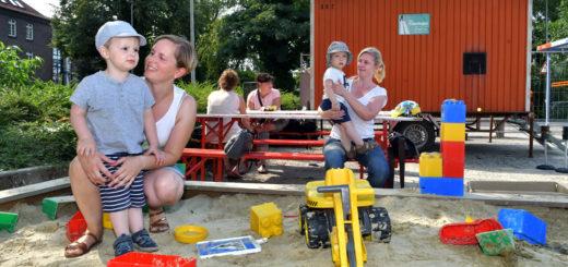 Auf der Kinderbaustelle sind Zwei- bis Sechsjährige willkommen. Foto: Konczak